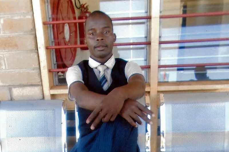 Lehrer und Technik an der Luchenza Primary School